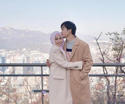 Makin Terlihat Bahagia, 8 Pasangan Artis yang Kompak Hijrah! Bikin Adem!