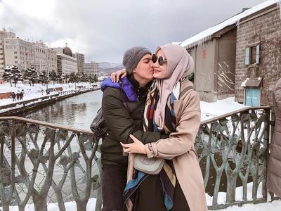Irwansyah dan Zaskia Sungkar