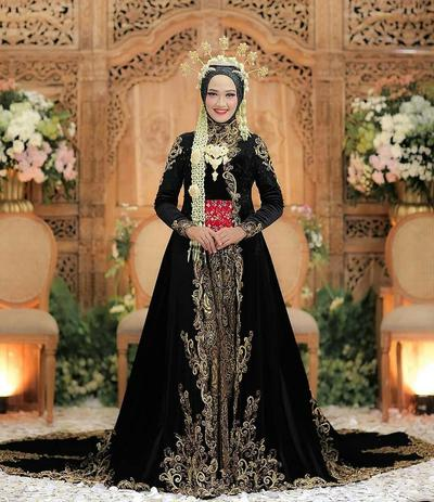 Cantiknya 5 Baju Pengantin Adat Jawa Untuk Muslimah Ini