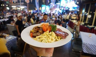 Menjelajah Restoran Street Food di Jakarta, Harga Murah Rasa Bikin Nagih!