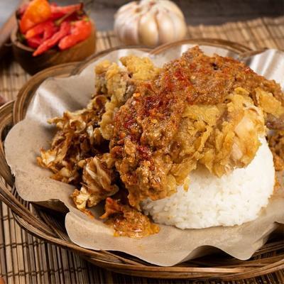 Ayam Geprek Sambel Kacang dari Baprek