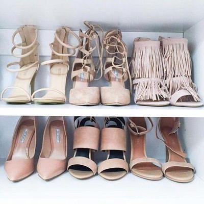 Pengen Tampil Stylish dan Fashionable? 5 Model Sepatu Wanita Cantik Ini Bisa Kamu Kenakan!