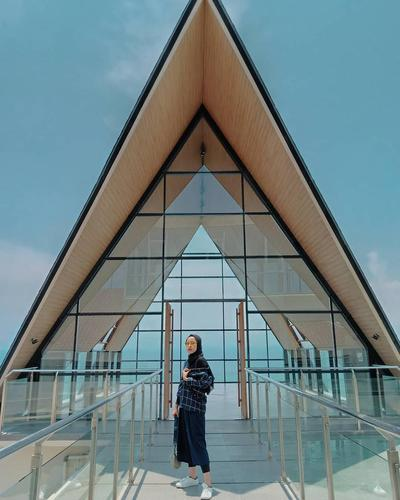 Laut Biru Resort & Hotel