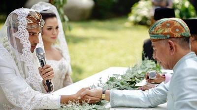 Pernikah Beda Negara Ini Sempat Viral, Simak Berita Uniknya!