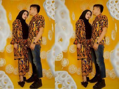 5 Inspirasi Model Batik Couple untuk Kondangan Bareng Pasangan, Serasi Banget!