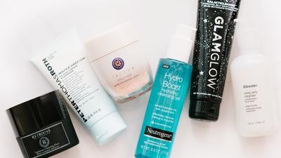 6 Rekomendasi Facial Scrub Brand Lokal Ini Aman Digunakan! Cocok untuk Atasi Kulit Kering