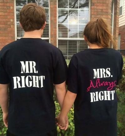 Bikin Gemas, 5 Desain Baju Couple Ini Cocok Banget Dipakai Bareng Pasangan!