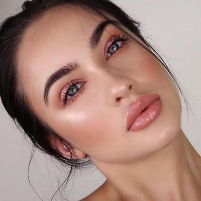 Ladies, Yuk Intip 5 Kombinasi Warna Eyeshadow Palette yang Cocok untuk Pemula!
