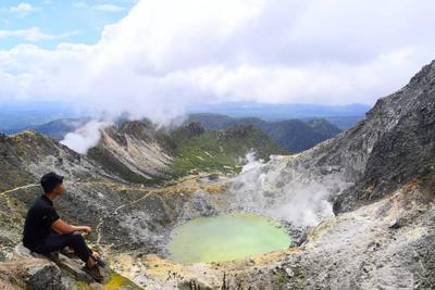 Mendaki di Gunung Sibayak Medan