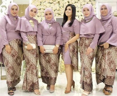 Rekomendasi Kebaya Muslim Untuk Wanita Bertubuh Gemuk
