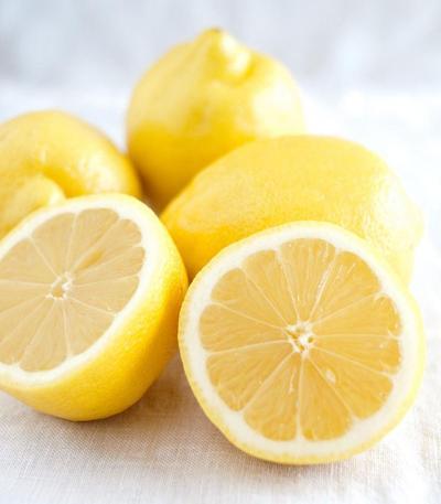 1. Perawatan dengan Lemon atau Jeruk Nipis