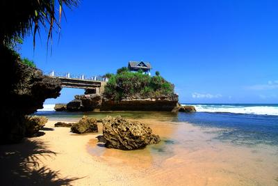 4. Pantai Krakal