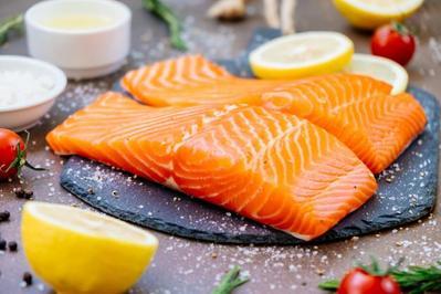 Konsumsi Ikan Salmon