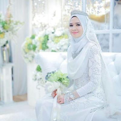 Hal Ini yang Perlu Kamu Perhatikan Sebelum Memilih Gaun Pengantin Muslimah