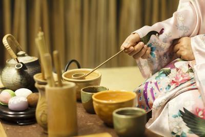 "Mengenal Tradisi Minum Teh ""Chanoyu"" yang Unik di Jepang"