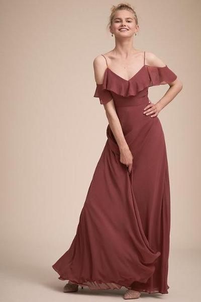 2. Pakaian Bridesmaid Stylish Sleeve