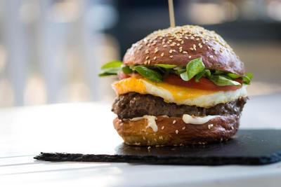 Resep Burger Keju Telur untuk Sarapan, Nggak Ribet dan Enak