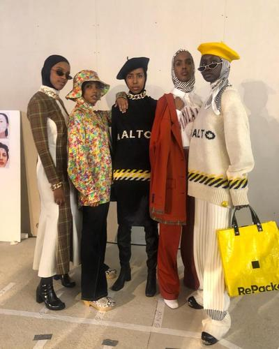 5 Model Hijabers Cantik Berjalan di Paris Fashion Week 2019