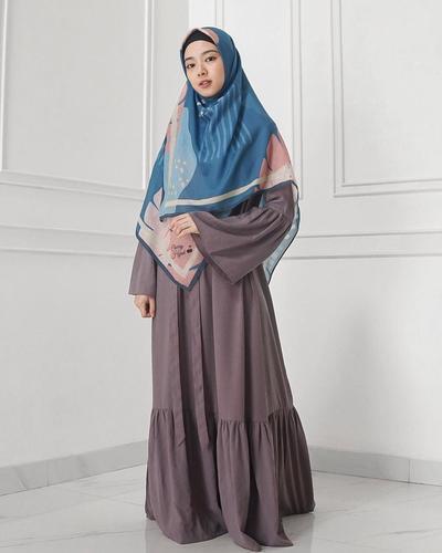 Hijab Syari Segi Empat