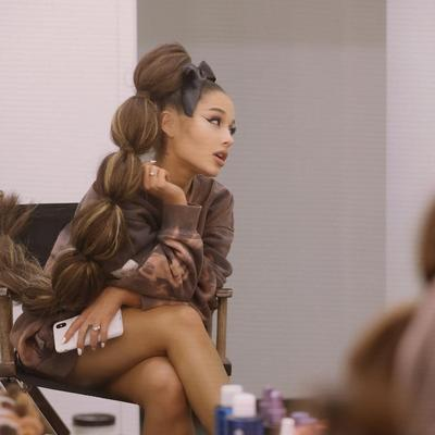 Tren 2019, Gaya Rambut Ariana Grande Sukses Curi Perhatian Fans!