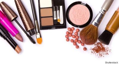 [FORUM] Makeup kalian sehari-hari pake apa aja dear? Share yuk!