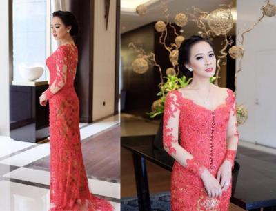 Inspirasi Model Kebaya Modern dan Cantik ala Yuanita Christiani, Anggun Banget!