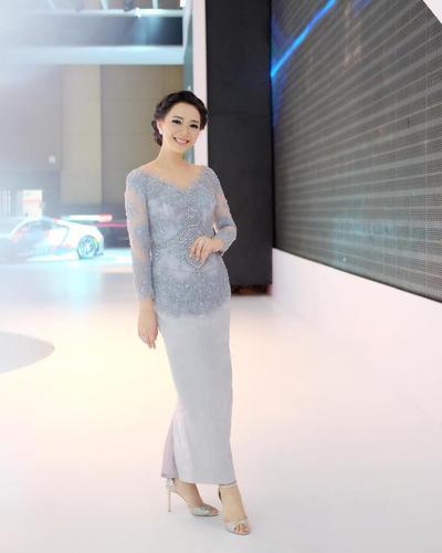 Inspirasi Model Kebaya Modern Dan Cantik Ala Yuanita Christiani
