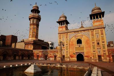 Masjid Wazir Khan di Pakistan