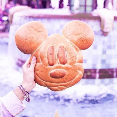 10 Makanan dan Minuman Instagramble dan Menggemaskan di Disneyland, Bikin Gak Tega untuk Makan!