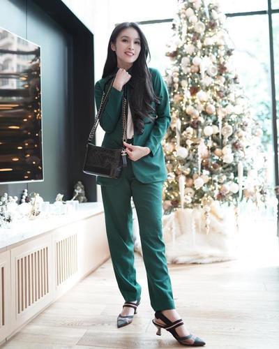 2. Blazer ala Sandra Dewi #2