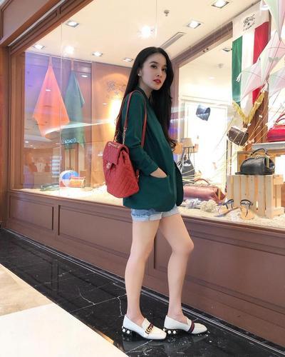 4. Blazer ala Sandra Dewi #4