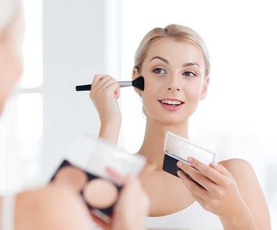 4. Pilih Brush Tool Makeup yang Tepat