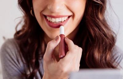 [FORUM] menggunakan mascara waterproof saat wudhu kan dilarang, kalo lipstick?