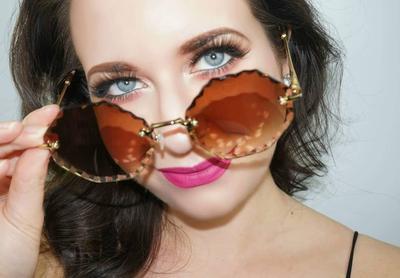 5 Tips Makeup untuk Kamu yang Memakai Kacamata