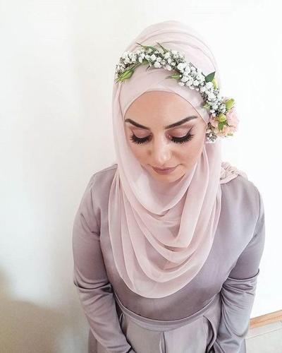 Tutorial Hijab Pengantin Ini Bisa Kalian Lakukan Sendiri Saat Pernikahan Nanti, Ladies!
