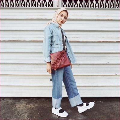 2. Celana Skirt Jeans juga Pas