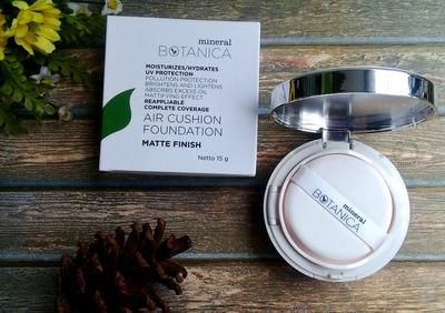 4. Mineral Botanica Air Cushion Foundation