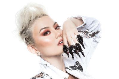 5 Tips Makeup Agnez Mo untuk Kulit Sawo Matang