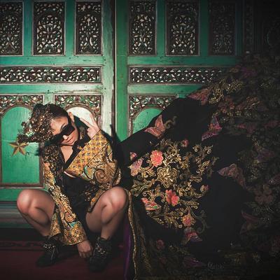 Tetap Cantik dengan Pakai Batik