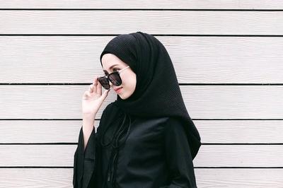 Wajib Tahu! Ini Dia Bahan Hijab yang Tetap Nyaman Dipakai Musim Panas