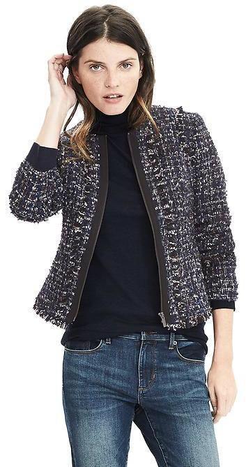 Bergaya Kasual dengan Tweed