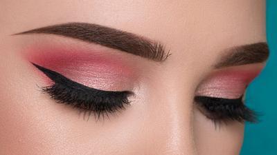 3. Hindari Eye Shadow Bernuansa Nude