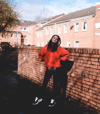 Jeans & Teraccota Oversize Sweater