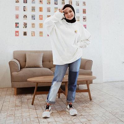 Oversize Hoodie Sweater ala Soraya Ulfa