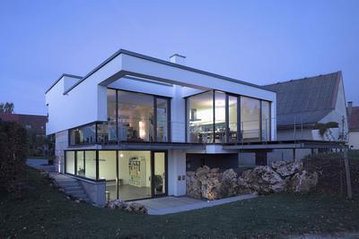 4.  Rumah  Mewah Minimalis  Split  Level