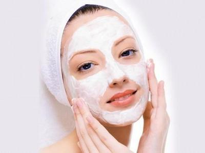 3.Baby Oil for Masking