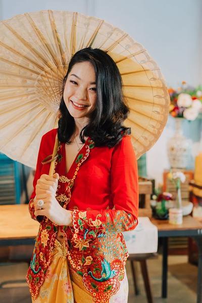 4 Ragam Model Batik Encim Cantik untuk Kondangan dan Acara Formal Lainnya