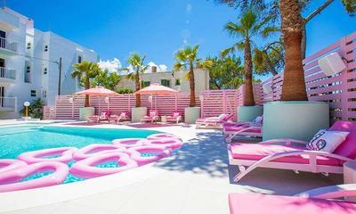Sederet Hotel Paling Instagramble di Dunia, Ada yang Serba Pinky!