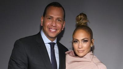 Kemesraan Jennifer Lopez & Kekasih, Liburan Romantis Hingga Cincin Tunangan Rp71,5 Miliar!