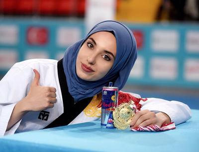 Mengenal 5 Wanita Cantik Muslim yang Sukses Menginspirasi Dunia